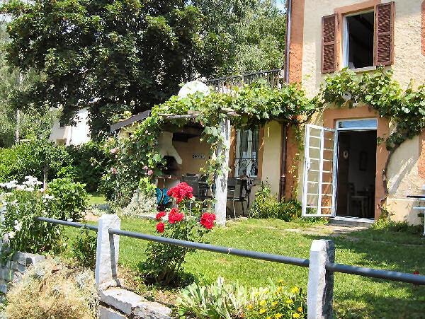 Ferienhaus 'Casa Roggia' im Ort Scareglia