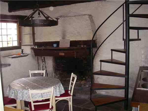 ferienhaus 39 grosser rustico von 1490 39 mondada cavergno bavonatal tessin schweiz. Black Bedroom Furniture Sets. Home Design Ideas