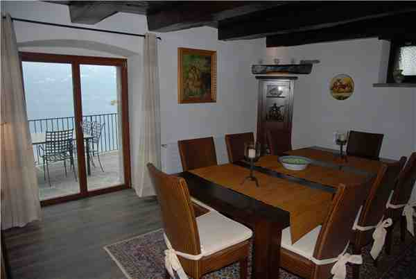 Holiday apartment Turmhaus, Brione s/Minusio, Lake Maggiore (CH), Ticino, Switzerland, picture 5