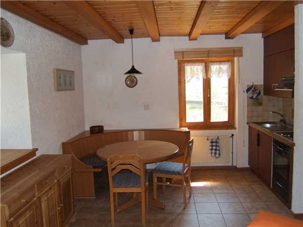 Holiday apartment Duplex cosy, Noiraigue, Val de Travers, Jura - Neuchâtel, Switzerland, picture 2