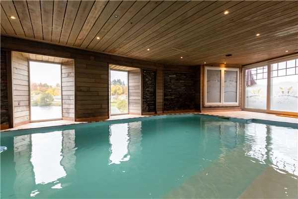 Ferienhaus 'Villa BelleVue wellness 34pers' im Ort Vielsalm