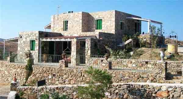 Ferienhaus '2 Felsenhäuser Spyros' im Ort Livadi