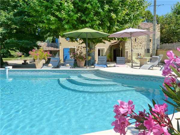Ferienhaus 'Provenzalisch renoviertes Landhaus mit Pool für 10 Personen' im Ort Loriol du Comtat
