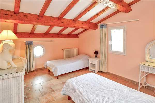 Ferienhaus Komfortable Villa für 8 Personen mit Pool, Meerblick und direkt am Strand in Südfrankreich, Carqueiranne, Côte d'Azur, Provence - Alpen - Côte d'Azur, Frankreich, Bild 12