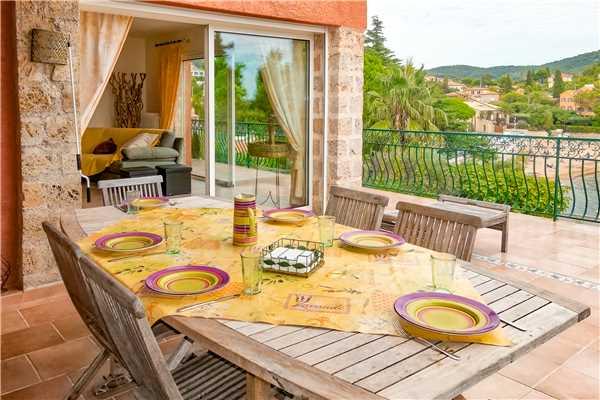 Ferienhaus Komfortable Villa für 8 Personen mit Pool, Meerblick und direkt am Strand in Südfrankreich, Carqueiranne, Côte d'Azur, Provence - Alpen - Côte d'Azur, Frankreich, Bild 2