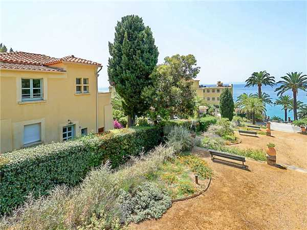 Holiday house Villa fast am Strand mit Meerblick in Le Rayol-Canadel in Südfrankreich, Le Rayol-Canadel, Côte d'Azur, Provence - Alps - Côte d'Azur, France, picture 20