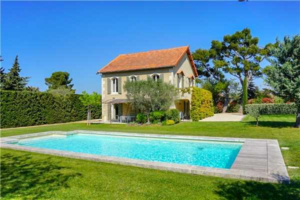 Ferienhaus 'Provenzalisches Ferienhaus mit beheizbarem Pool am Ortsrand von Eygalières' im Ort Eygalières