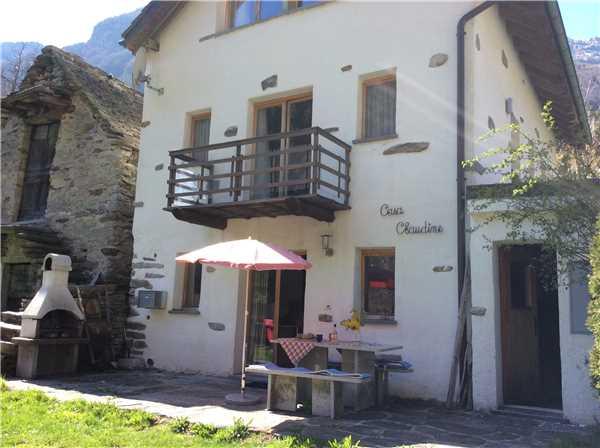 Ferienhaus 'Rustico Claudine' im Ort Locarno